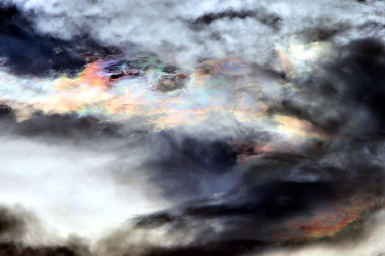 Wangerooge Clouds And Sky Perlmutwolken Wolkenbilder Wolken Regenbogen Seltene Wolken Farbenspiel Northsea