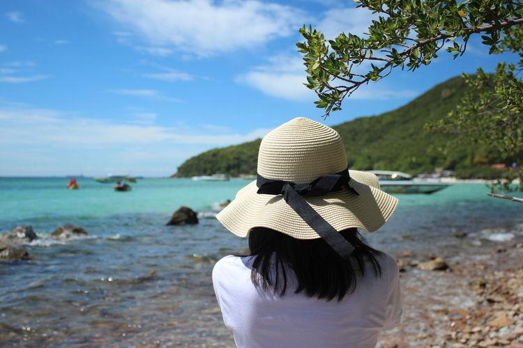 Water Hat Rear