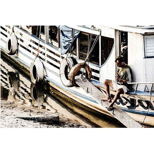 Cotidiano ribeirinho. Demerson Mendes Fotografia Demersonmendesfotografia FotoShow Fotografia Fotografemelhor Foto Nikon Nikontop Detalhes Riotapajos Embarcação Meubempara Santarém Partiubrasil Pescadores Amazonia Revelandofotografias
