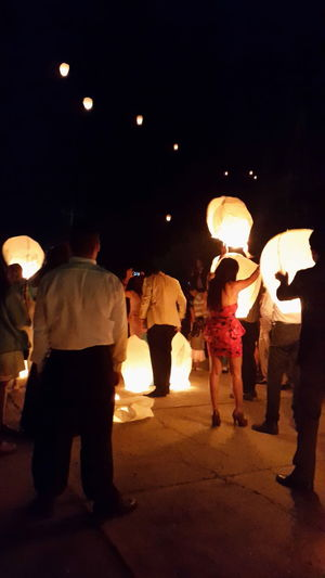 People Ballons Party Time Cantoya Globe Cantoya Nightlife Night Photography Photography Mexico Mariage Beautiful