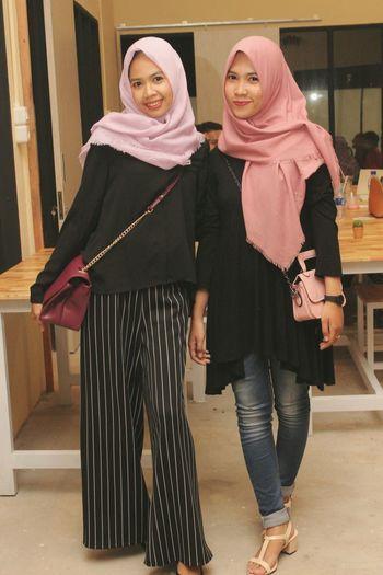 Taking Photos of Freindship Themeyes Blackandwhite Hijabbeauty Hijabstyle  Latepost ✌
