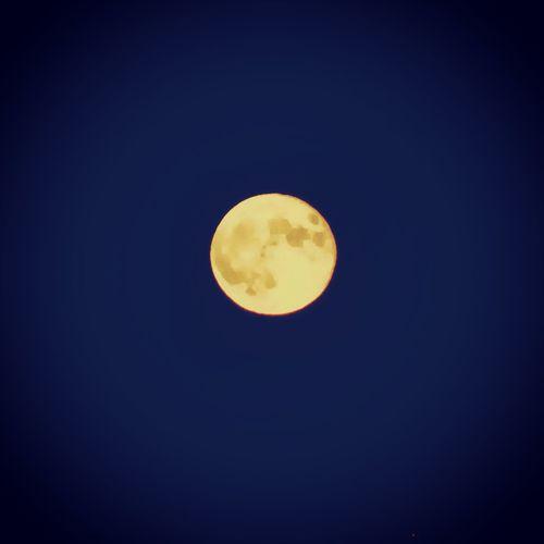Ich bin sprachlos.... Moon Mond Moonlight Night Nightsky Fullmoon Samsungphotography Samsung Vollmond Nachtfotografie