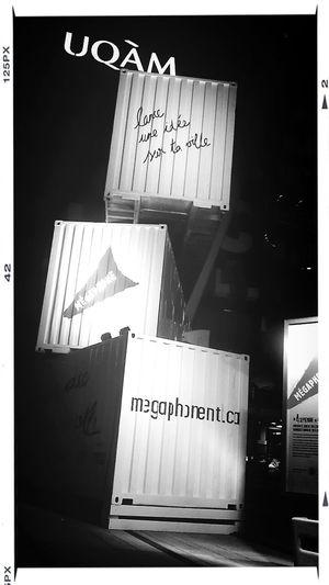 Mégaphone : lance une idée sur ta ville. Installation Moment Factory.
