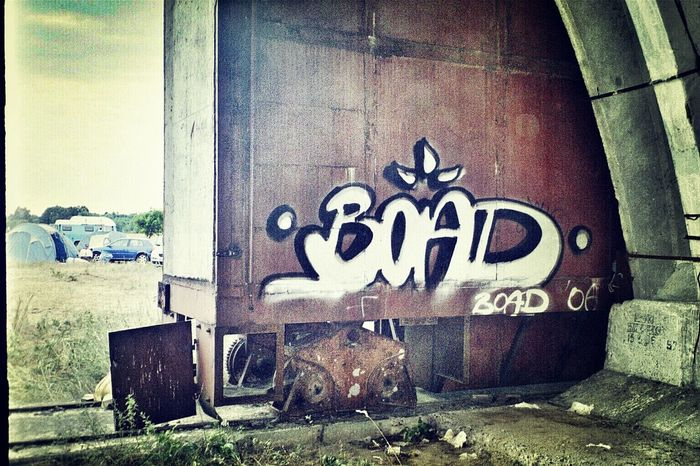 Boad I♥Ruins aufm Ehem.russischer Militärflughafen in Wittstock/dosse graffiti is my live... psytrance festival time / 2006 Graffiti Graffiti Art Aerosol Bombing is My Life Streetart/graffiti