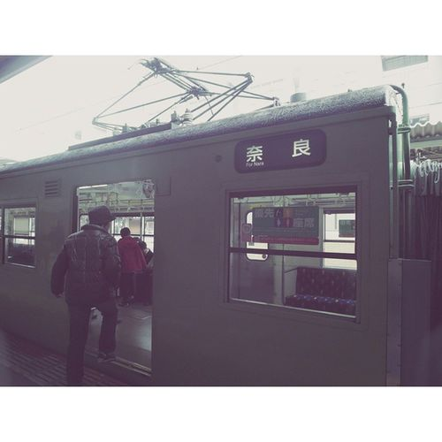 京都 奈良線 月臺 京都駅 ホーム 😚 日本 Japan Japanese  Train Station Platform Gohome 回家 有時候不是照片本身多漂亮 而是文字賦予它 更多力量