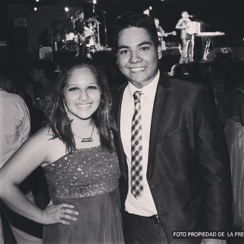 Con el bailarín dd... Nunca te cansas JAJAJA :P Excelente compañero cesar :)' Prom Vaqueros Preciuos Prepa2 friends