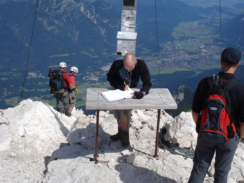 Eintrag im Gipfel-Buch auf der Albspitze Water Men Sea Fisherman Full Length Occupation