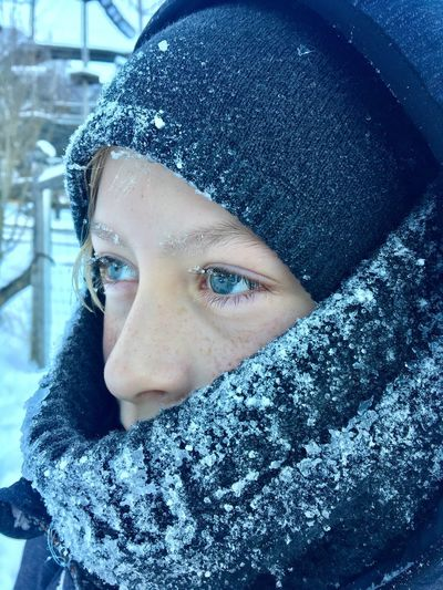 Blue eye's EyeEm Best Shots Portrait One Person Headshot Looking At Camera Winter Cold Temperature Close-up Snow Warm Clothing Clothing