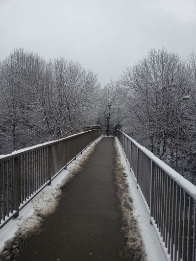 Snow ❄ Derbyshire Winter Hanging Out Universityofderby Walking Around Hello World