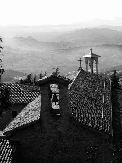 Emotions Silence EyeEm Best Shots EyeEmNewHere EyeEm Selects #interesting #italy #blackandwhite #Black&White #architecture #bwphotograph #serenity  #story #sensations Blackandwhite #bw_lover OldMemories Sea Sky Architecture Building Exterior Built Structure