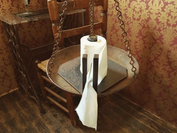 Cafe Vintage Furniture Snazzy Furnitue Retro Vintage Foppery Toilet Toilette Art Toilette Toiletpaper Brown Antique Antiques Furnitures Furniture Design