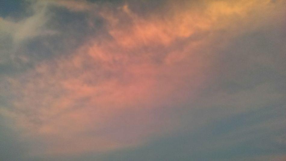 漸層雲 RedClouds  Clouds And Sky Taking Photos Sunbathing
