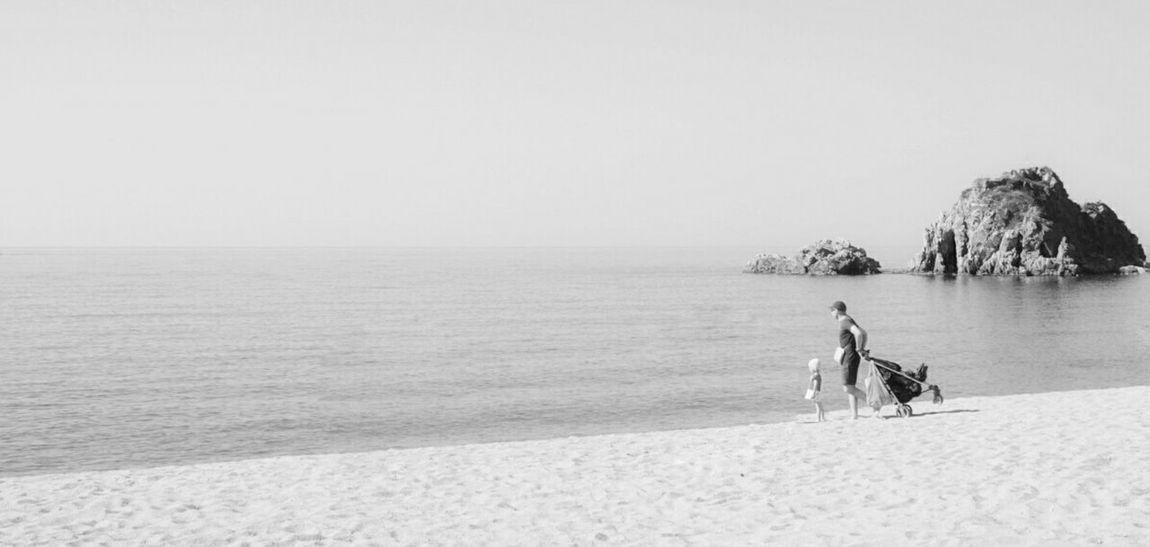 Minimalobsession Minimalism Life Is A Beach Monochrome Blackandwhite White Mi Serie Minimal