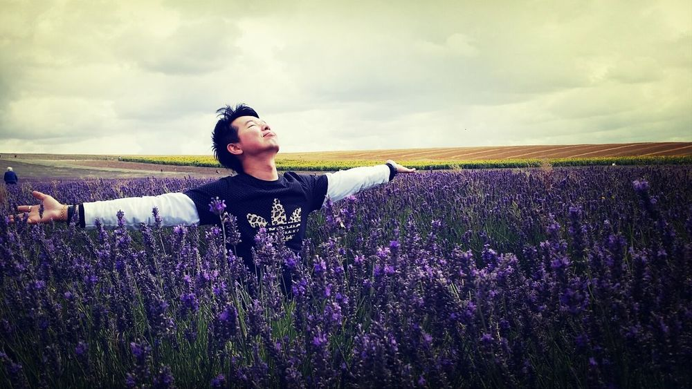 embracing... the calming scent of Lavender