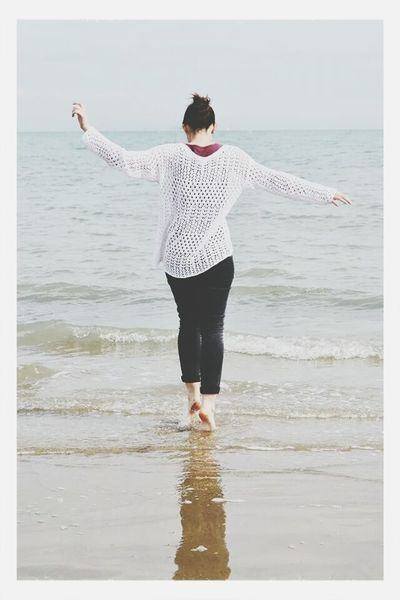 Do you want to go to the seaside?Sea At The Seaside The Kooks Feeling Free