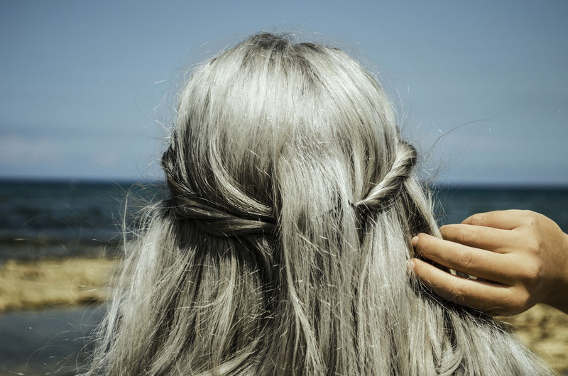 Fhasion Grannyhair Greycolors Greyhaircolor Greyhairdontcare Greyhairsdontcare Haircolor Haircoloring Haircolour Haircut Hairstyle Model Modeling One Person One Women One Young Woman Only Outdoor Photography Outdoors Outside Love Yourself The Street Photographer - 2018 EyeEm Awards The Fashion Photographer - 2018 EyeEm Awards The Great Outdoors - 2018 EyeEm Awards The Traveler - 2018 EyeEm Awards