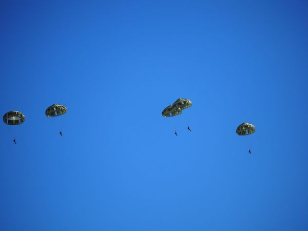 Airborne Paratrooper Skydiving SOAR HIGH Military Blue Sky Clear Sky Skyscape Air Show Airshow Parachute Enjoying Life The Purist (no Edit, No Filter) EyeEm Best Shots Taking Photos Snapshot Walking Around お写ん歩