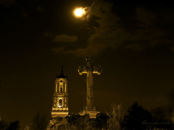 Borgiante Catedral Church Churches Cruz Cuautitlan Cuautitlanmexico Domingoderamos Iglesia Luna Moon Moonlight
