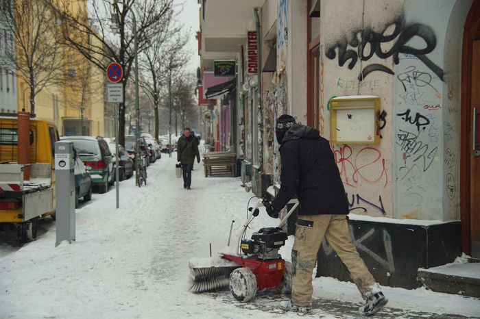 Kreuzberg winter #FREIHEITBERLIN Snow Day Snowy Berlin It's Cold Outside Kreutzberg Street The Street Photographer - 2016 EyeEm Awards Original Experiences Lausitzer Straße Ice Age Capture Berlin Adapted To The City Mix Yourself A Good Time Discover Berlin