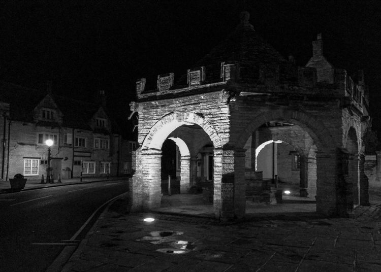 Night Architecture Arch Built Structure Illuminated Building Exterior No People Outdoors Monument Blackandwhite Black And White Contrast