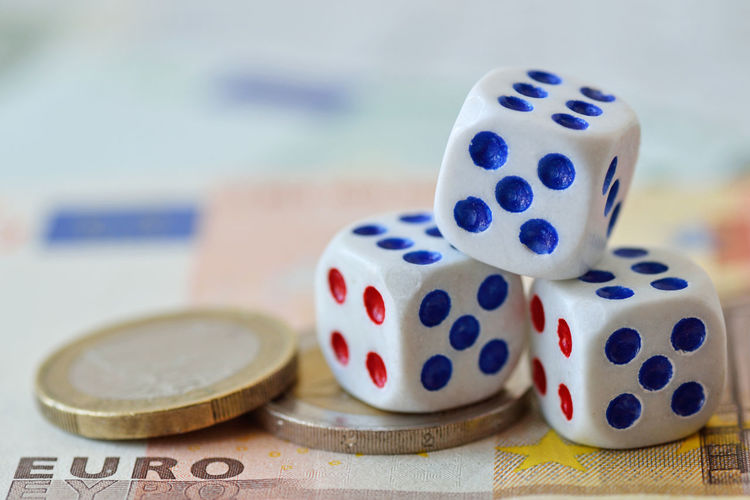 Dices on euro