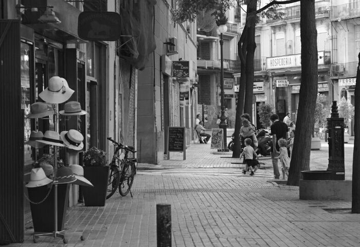 Beauty street Street Photography Black And White Monochrome Contrast Hats Kids Walking Around Pentax K-50 Shooting Time City Photooftheday Writing With Light