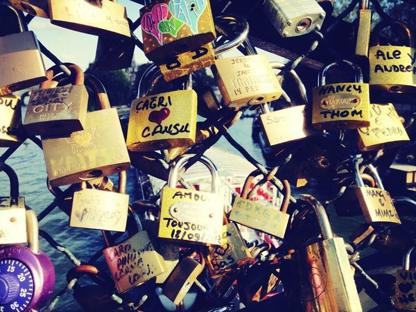 Love In Love Lovers Pont Des Arts