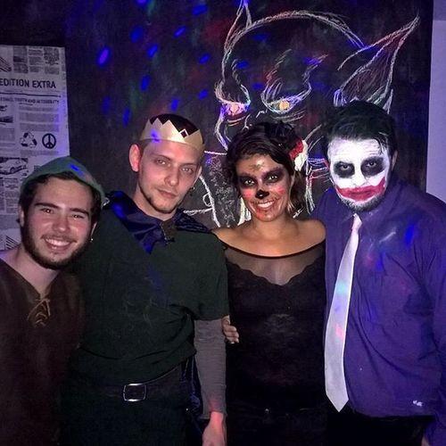 Meus amores no Halloween . Fantasia Costume CostumeParty Halloweencostume Robinhood Princejohn Joker Katrina