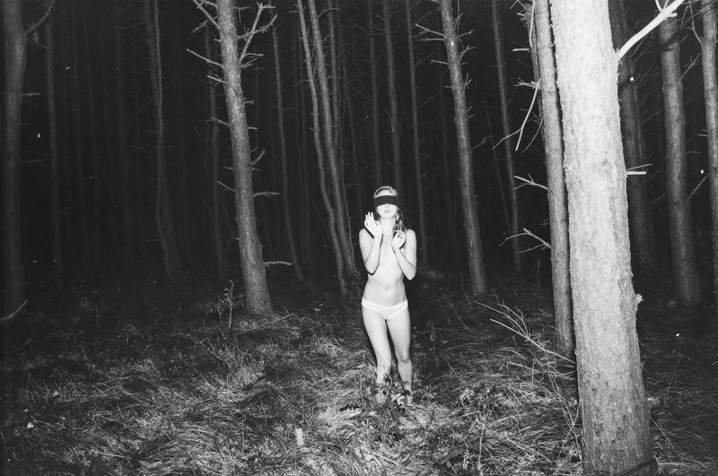 Laura Palmer Beauty Black And White Blinded Dark Forest Girl Linas Was Here Lost Night Spooky Trees Twin Peaks Woods