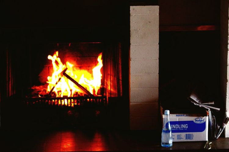 Parnell Auckland Fire Place Flame Flames Cosy Cosy Place Rainy Sunday