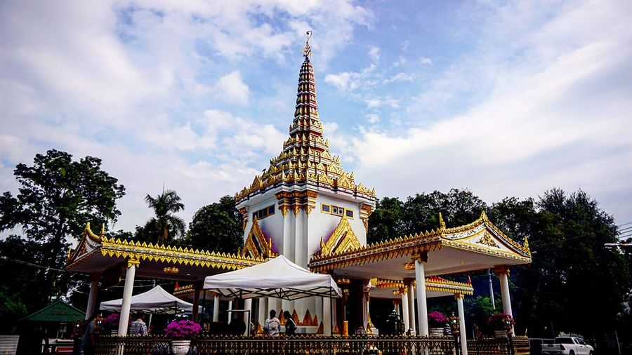 Outdoors Buiding Architecture Sky Temple Thailand Day New year.