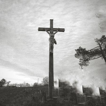 Religion Crucifix Spirituality Dramatic Sky Outdoors Sculpture Nature No People Statue Sky Symbol INRI Blackandwhite Blackandwhite Photography Bordeaux, France France 🇫🇷 Cimetary Hope Desolation