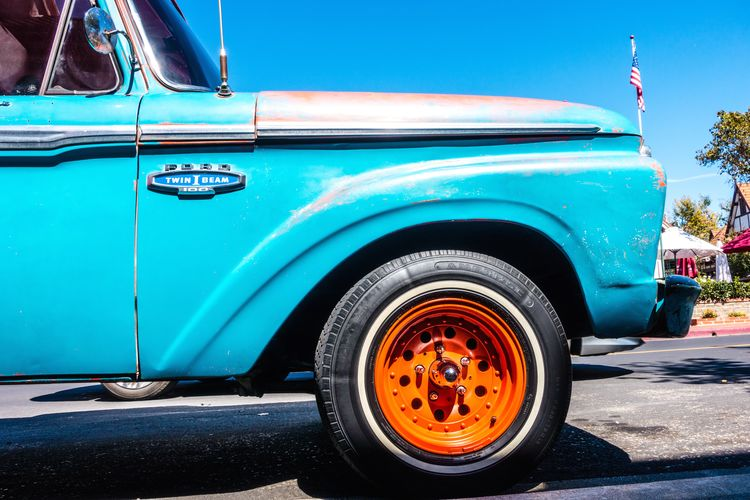 Transportation Mode Of Transportation Motor Vehicle Car Land Vehicle Day Blue Retro Styled City Street Vintage Car Road Stationary No People Architecture Outdoors Wheel Sunlight Old Tire Luxury Turquoise Colored