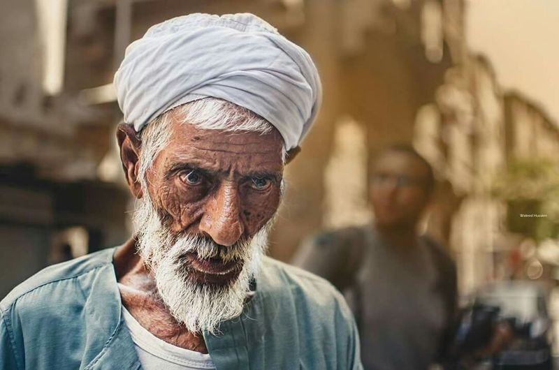Old man and strong look Street Photography People Photography Taking Photos Street Life Street Photographer Streetphotography Stree Photography EyeEm Best Shots Take Photos Portrait