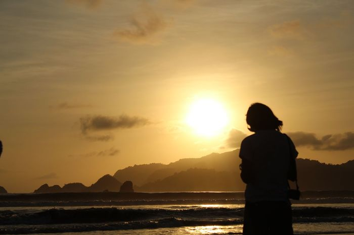 Sunset Sunshine Silhouette Beach Landscape Candid Vitaminsea Sea And Sky Travel Photography Connected By Travel Tourism Outdoors Tourism Destination Traveller Travelling Panorama Wonderful Indonesia Pesonaindonesia National Geographic
