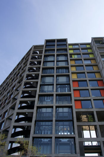 Low angle view of new flats at Park Hill in Sheffield Sheffield Park Hill Built Structure Architecture Building Exterior Sky Low Angle View Building Nature No People Modern Window City Day Outdoors Office Office Building Exterior Tall - High Skyscraper Clear Sky Glass - Material Reflection Location