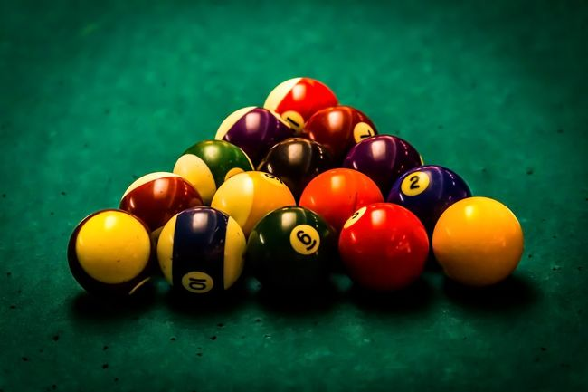 Arrangement Close-up Day Green Color Indoors  Leisure Games Multi Colored No People Number Pool - Cue Sport Pool Ball Pool Cue Pool Table Snooker Snooker And Pool Snooker Ball Sport Sports Equipment Still Life Table