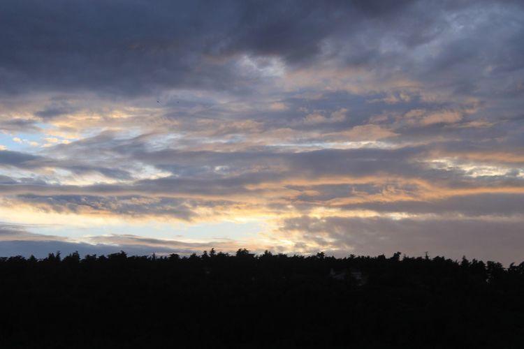 Coucher de soleil après l'orage Clouds And Sky Nature Coucher De Soleil Without Effects