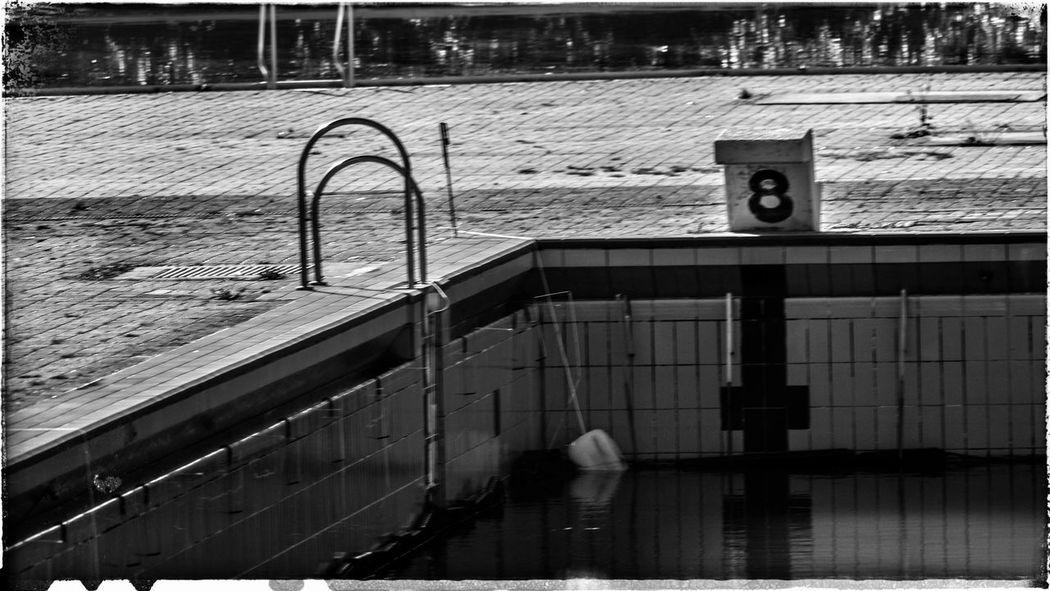 My Fuckin Berlin Mariendorf Schwimmbad Verlassen Rixdorf Schwarzweiß