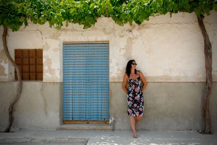 Andalucía Mystery Outdoors Portrait Portrait Of A Woman SPAIN Waiting Who Is She? First Eyeem Photo Colour Of Life Color Of Life! Color Of Life