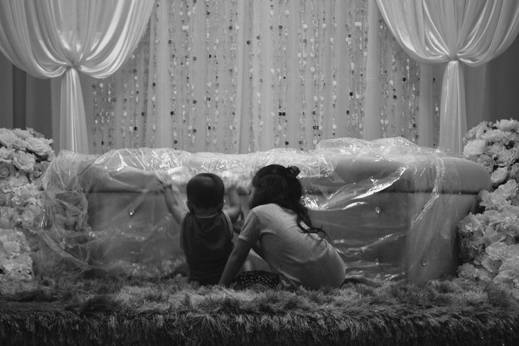 Darra Togetherness Childhood Girls Friendship Bonding Black And White Monochrome Family Moments The Week On EyeEm