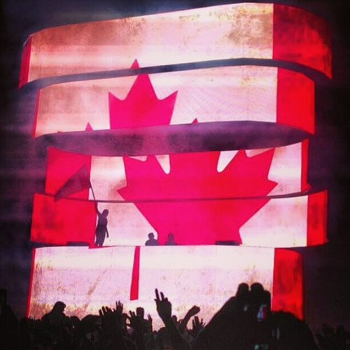 Swedish house mafia tonight! Excited Swedishhousemafia Toronto Swedishhousemafiatoronto Rave Party Wecame Weraved Weloved Cantwait Sad Lasttourtogether Lights Mosh  Moshpits House Music Bassdrop FromMiamitoIbiza Pumped Stressfree Timetoparty Saturdayintoronto