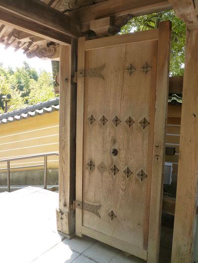 Wood Architecture Built Structure Day Door Entry Japanese Main Door Nature No People Outdoors Tree Wooden Door Wooden Structure