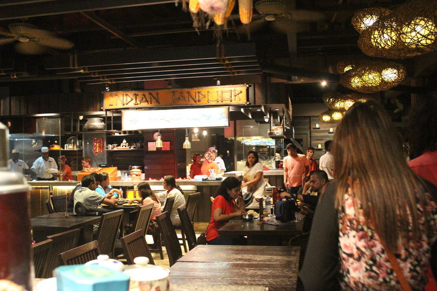 Indian Restaurant at Night Safari in Singapore Food Indian Night Safari Restaraunt Singapore Tandoori Adapted To The City