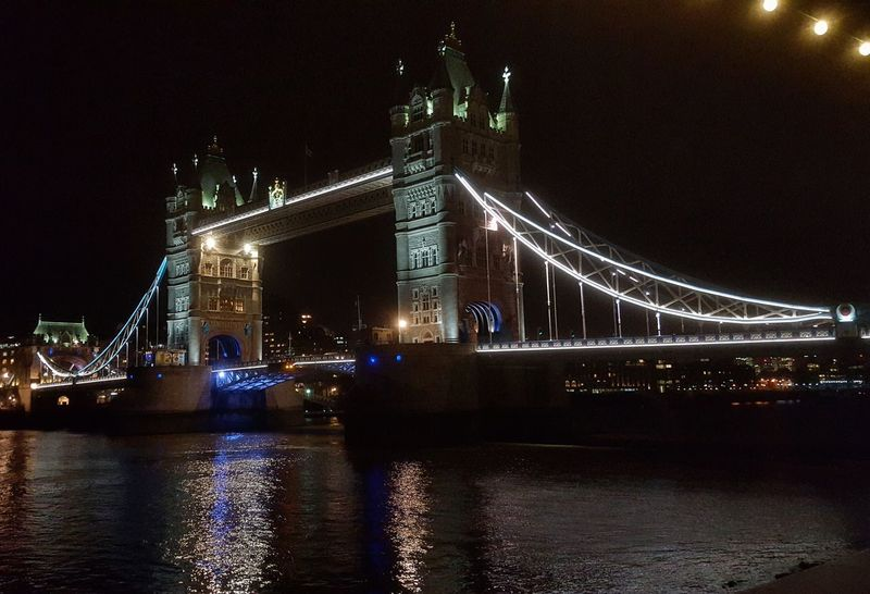 The Tower Bridge.. Night Illuminated Bridge - Man Made Structure Architecture Travel Destinations River England Phototraveller Travel Photography EyeEmNewHere Wanderlust Globetrotter Waphaphotographer Liveforadventure Streetphotography London Landscape Wonderful Eyemphotography Reflection Nightlife City Outdoors Travel Viaggiare
