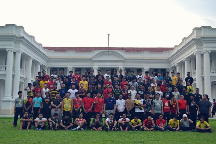 MMXVII- MOTHERUSSIA '17 Whitehousemalaysia Kingofschools Schoolofkings Mckk Koleq Malaysia Large Group Of People Outdoors Parade Day Grass Architecture Architectural Column