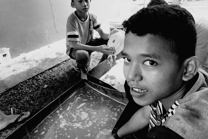 Blackandwhite Eyeeminstagram Kenduri Child Childhood Girls Father Elementary Age Family With One Child Daughter Love Son Females Bonding Family People Leisure Activity Togetherness Lifestyles Real People Adult Water Boys
