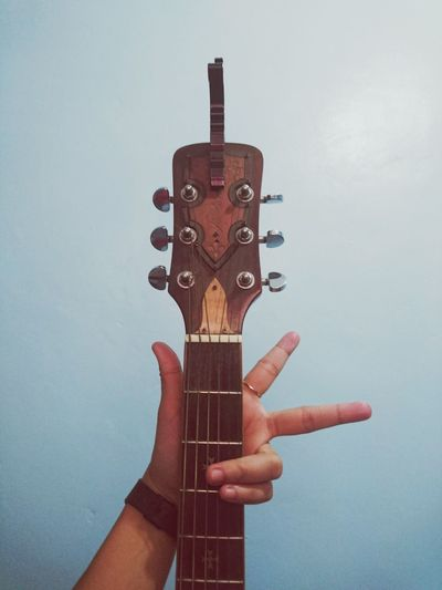 Mondays!!!! ♥ Music Arts Culture And Entertainment Musical Instrument Human Body Part Musician People Human Hand Guitar Day