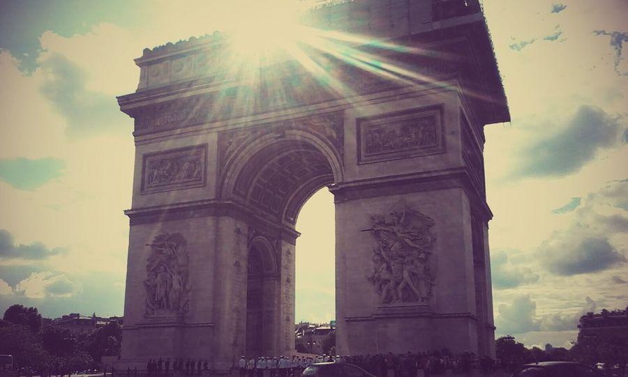 Arc De Triomphe De L'Étoile Paris Streetphotography Traveling Sky Architecture