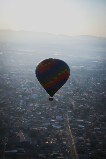 airballons amazing time Skyballoonsmexico Mongolfiera  BeautifulMexico Beautiful Mexico Yourplaceintheworld Hot Air Balloon Flying Cityscape Mid-air No People Sky Outdoors Day